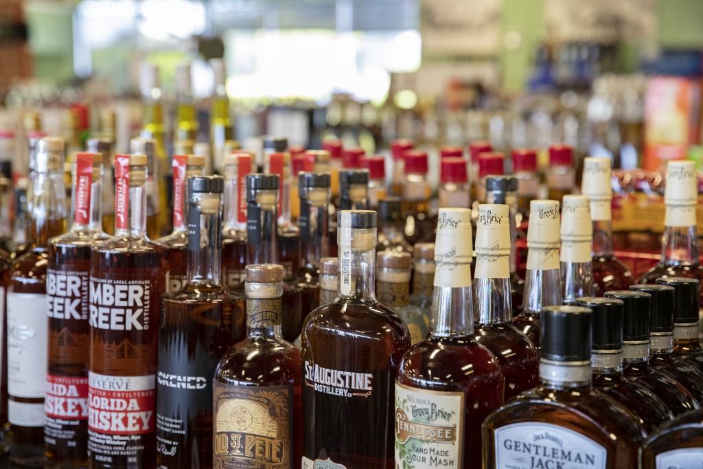 029 042121 Kelleys Beach Liquors